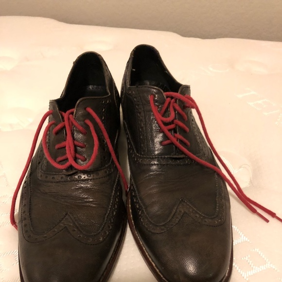Cole Haan Other - Men's black Cole Haan wingtip shoes w red laces